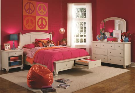 aspen cambridge bedroom set aspenhome cambridge panel storage bedroom set in eggshell