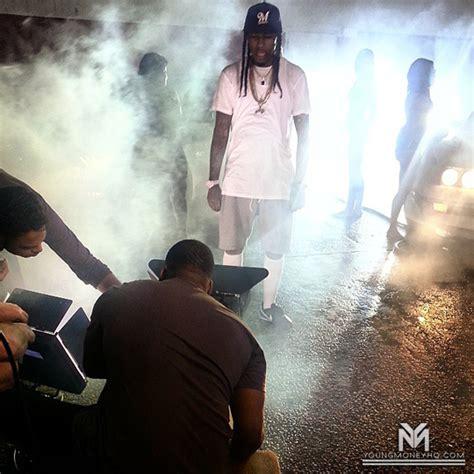 ymcmb flow ft bonka monster freestyle on set of flow slim boogie s wait video shoot in new