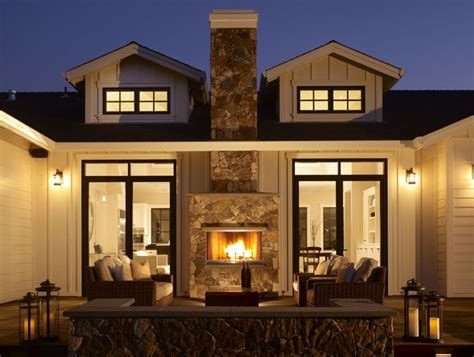 Two Sided Fireplace Inside Outside by 10 Best Ideas About Fireplace Seating On