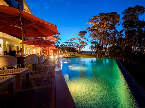 banisters mollymook bannisters night3 2017 800 215 600 mollymook newsmollymook news