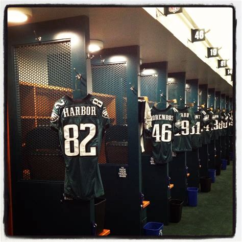 eagles locker room philly s coolest tweet greet how dunkinphilly is rocking social media lawlor