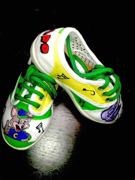 chuck e cheese shoes 178 best images about painted shoes zapatos
