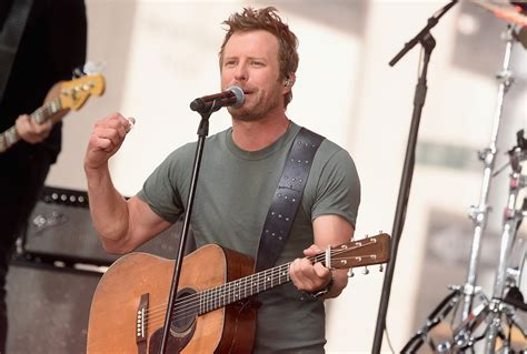 dierks bentley tour dates dierks bentley announces 2017 what the hell world tour
