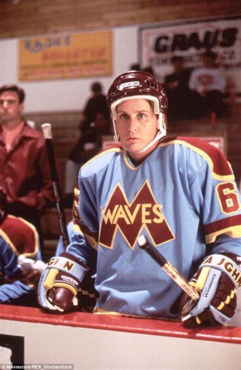 film disney hockey emilio estevez leads anaheim ducks la hockey team to