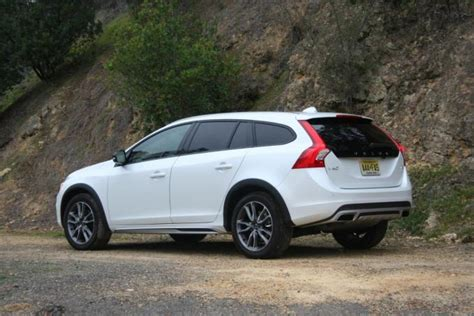 volvo manufacturer country 2015 volvo v60 cross country autoguide news
