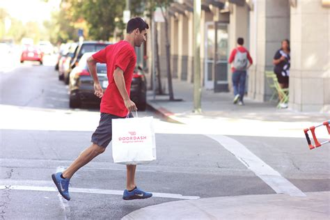 doordash restaurant service from the kitchen to the customer lakewoodsentinel