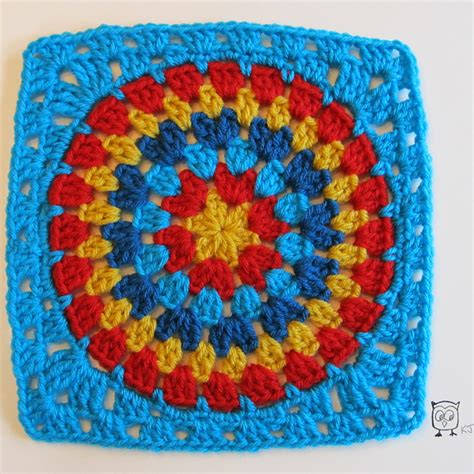 pattern for simple granny squares crochet free crochet pattern granny square circle big stripes