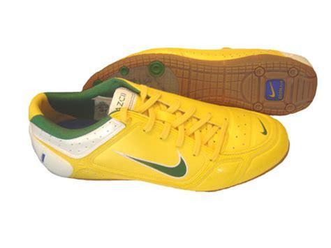 Sepatu Bola Ukuran 39 ngidam sepatu futsal delapan delapan