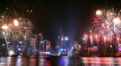new year in hong kong sydney snubs terror fears as pyrotechnic spectacular leads