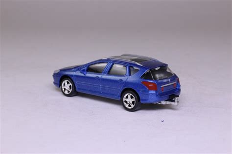 peugeot 407 wagon norev peugeot 407 station wagon metallic blue 1 64
