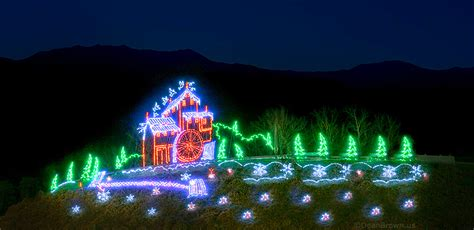 pigeon forge christmas lights 9 things to do on christmas day in pigeon forge tn