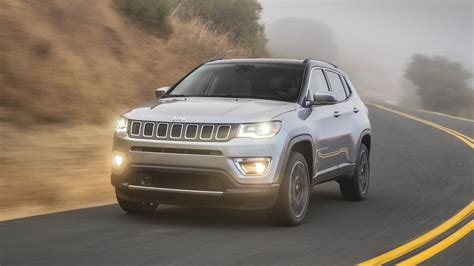 jeep compass 2017 grey 2017 jeep compass makes u s debut with 180 hp up to 30 mpg