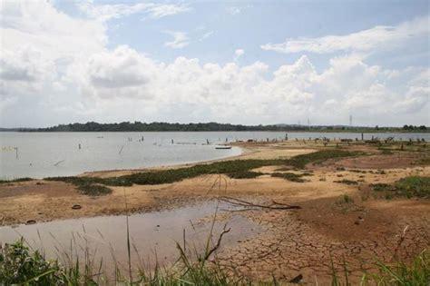 Air Di Batam gawat dam air bersih di batam susut hingga 4 meter