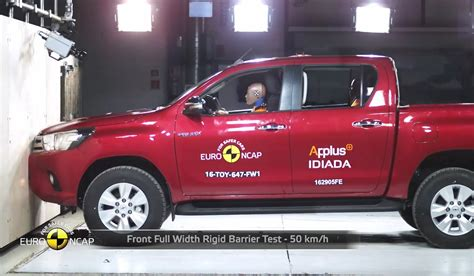crash test 2016 toyota hilux crash test