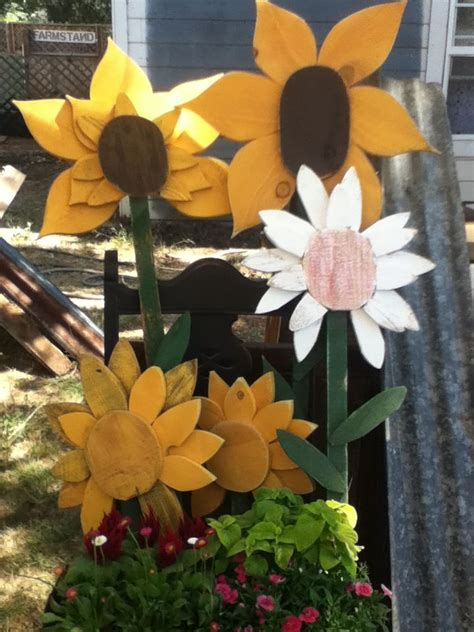 large wooden flowers   garden simple wood crafts