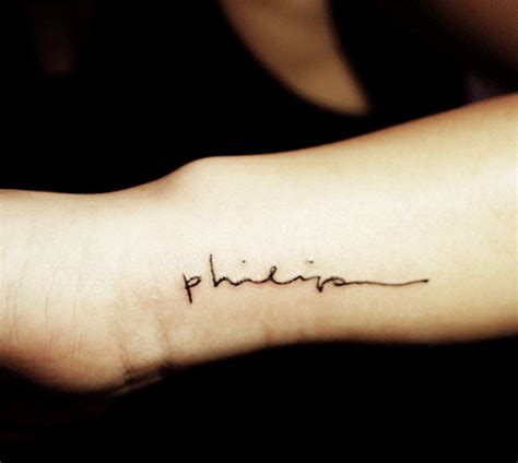 small name tattoo 35 stunning name wrist designs