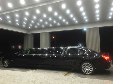Executive Limo Service by Corporate Limousine Hire Melbourne Chauffered Executive