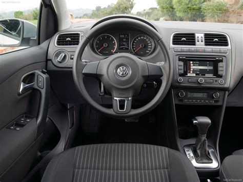 volkswagen polo interior 2010 volkswagen polo 2010 picture 71 of 101