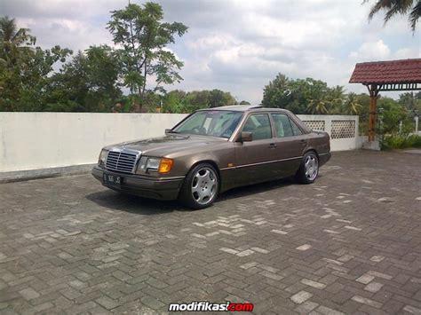 Kaca Mobil Mercedes baru kaos mini tuner mercedes di tempel dlm kaca