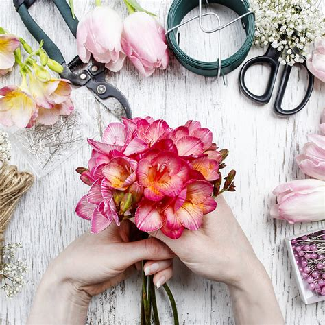 secret flowers the secret flower arranging tips from florist