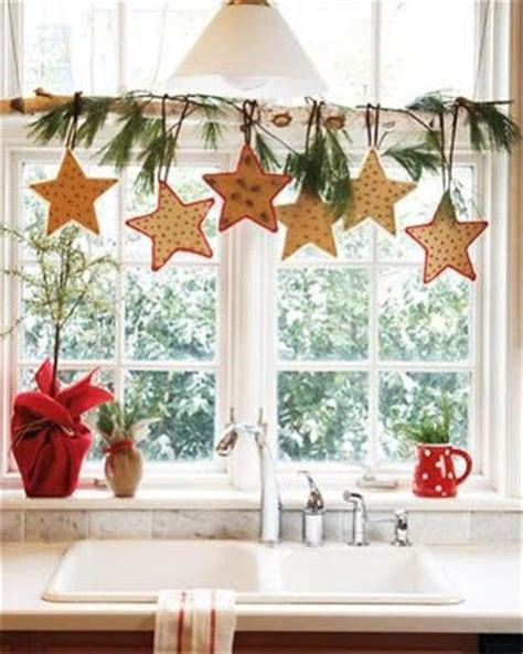 Window Decor Ideas | 70 awesome christmas window d 233 cor ideas digsdigs