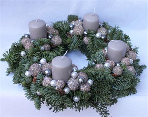 le quattro candele dell avvento corona d avvento secondo un altra tradizione assai