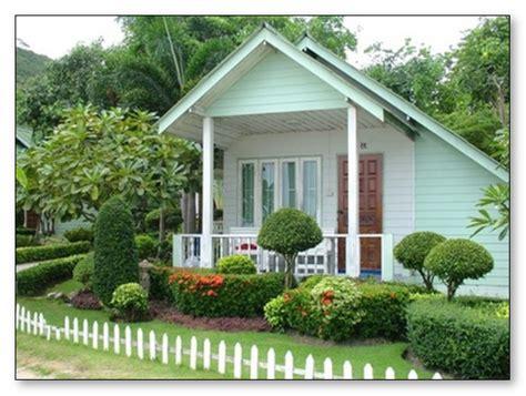 taman rumah minimalis cantik sejuk desain rumah unik