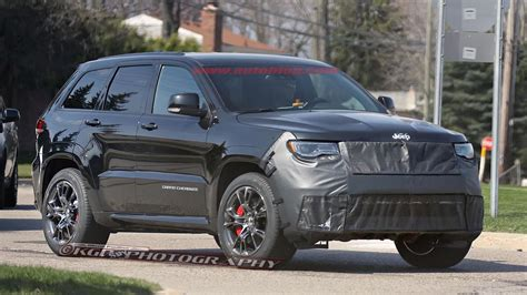 trackhawk jeep black 2016 jeep grand cherokee srt trackhawk spy shots by kgp