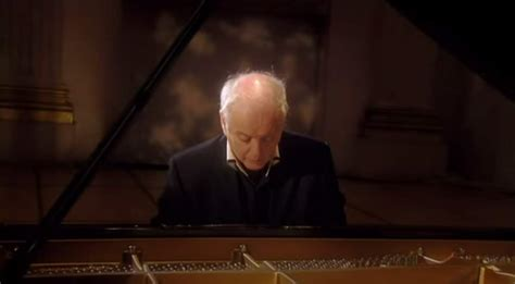barenboim plays beethoven piano sonata no 8 op 13