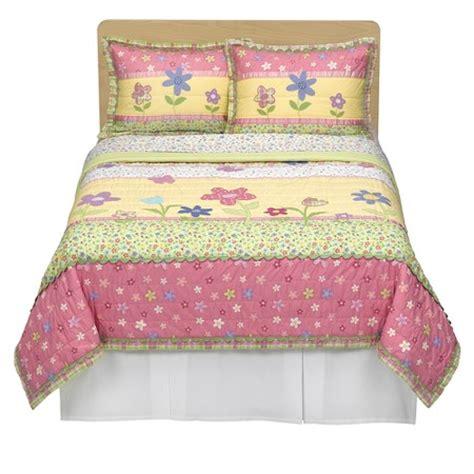 target pink bedding circo 174 happy flower quilt set pink yellow full queen