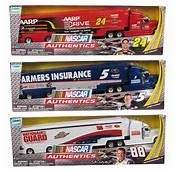 NASCAR Authentics 164 Scale Collector Hauler Truck Case