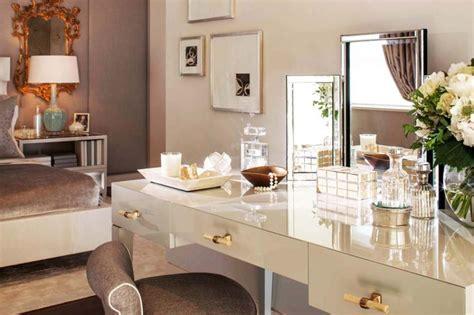agréable Place Du Lit Dans Une Chambre #1: coiffeuse-elegante-design-luxe-meuble.jpg?itok=eT9Ly-97