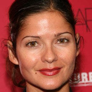 actress who played claire kincaid jill hennessy bio facts family famous birthdays