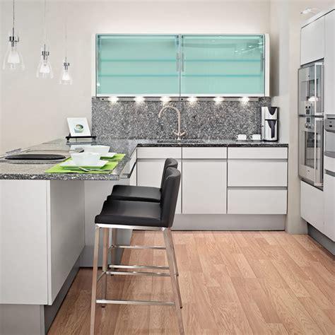 Frische coole Küchen Farben   zarte, helle Farben in der Küche