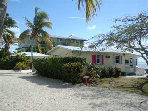 Conch Cottages by 301 Moved Permanently