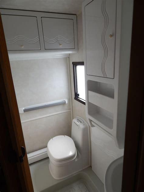 Wie Renoviere Ich Mein Bad by Unser Schwedischer Wohnwagen In Aller Welt