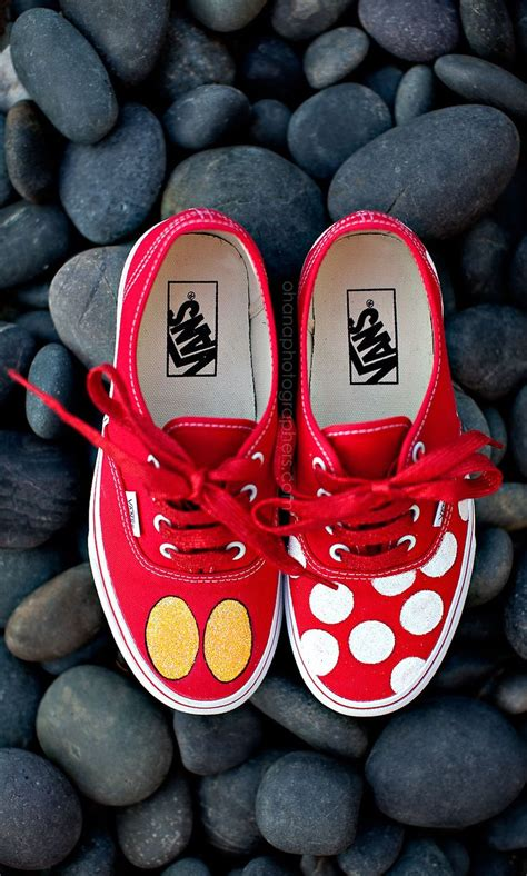 diy minnie mouse shoes custom mickey mouse and minnie mouse disney vans disney