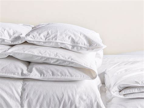 how to choose down comforter how to pick the best down comforter segreto secrets