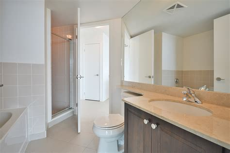 semi ensuite bathroom virtual tour of 215 fort york blvd toronto ontario m5v