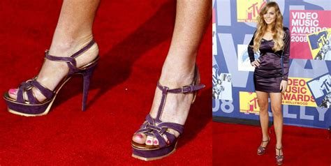 Scherzingers Studded Louboutin Boots At Mtv Trl by Photo Gallery Vma 2008 Mtv