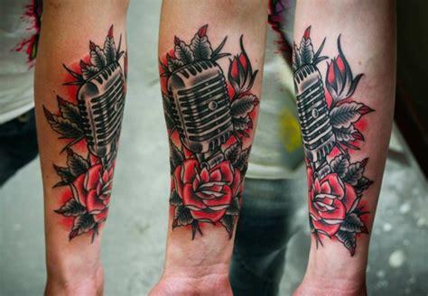 tatuaggi fiori per uomo 1001 idee per tatuaggio braccio disegni da copiare