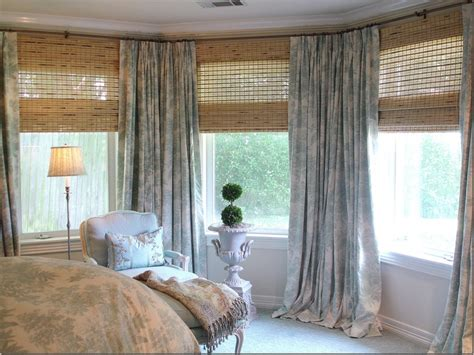 how do you put curtains on a bay window 17 best images about window treatments on pinterest bay