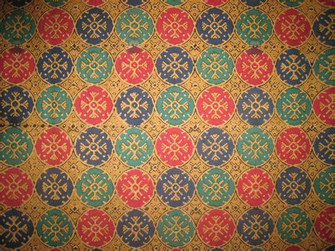 indonesia batik pattern wallpaper wallpaper wall room home motif batik batik pinterest