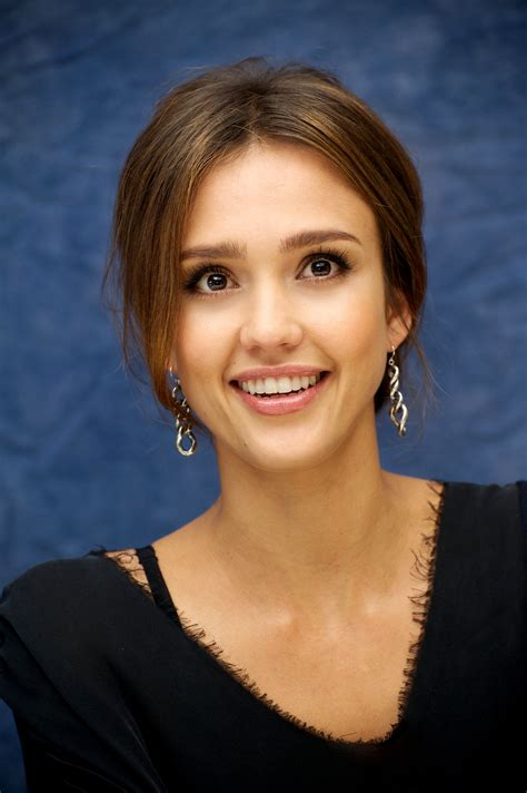 square face worst jessica alba best and worst medium best and worst updo hairstyles for your face shape best