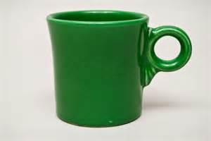 vintage fiesta pottery tom and jerry coffee mug in vintage fiesta medium green 50s colors platter fiestaware