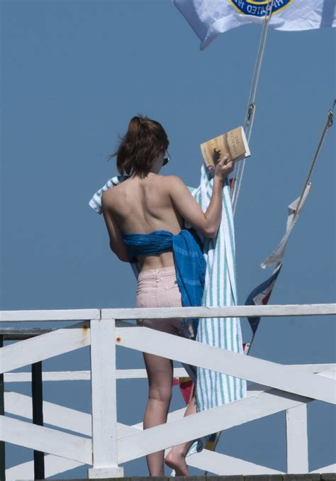 emma watson  undies sunbathing   hamptons hawtcelebs