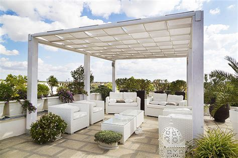 polycarbonate roof for your patio corner
