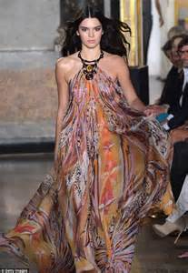 Catwalk Speak To Onoff About Fashion Week by Kendall Jenner Stuns In Sweeping Halterneck As She Makes