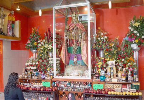 imagenes de altares espirituales santa muerte milagrosa composicion del altar y ofrendas