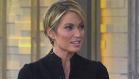 amy robach hairstyle amy robach gets her hair cut short in front of the cameras